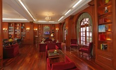 13 Cabinet Lounge