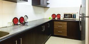 Chalet-Rivera-Service-Apartment-Kitchen-Featured-770x386