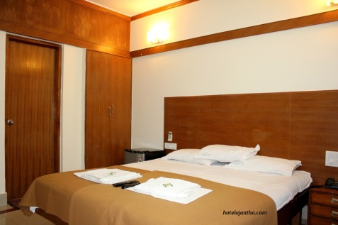 Executive_Double_Room3