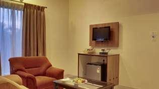 Executive_Suite_Rooms_Hotel_Sanman_Gardenia_Bangalore_fcbkzd