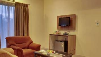 Executive_Suite_Rooms_Hotel_Sanman_Gardenia_Bangalore_fcbkzd