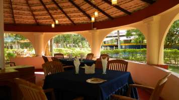 Gazebo_Restaurant_at_Fantasy_Golf_Resort_Bangalore_uzy5qs